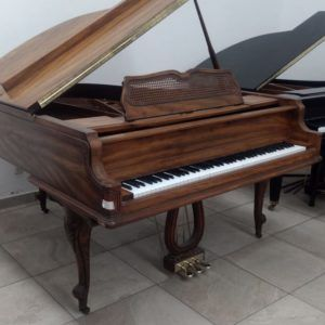Kimball Piano Grand cola